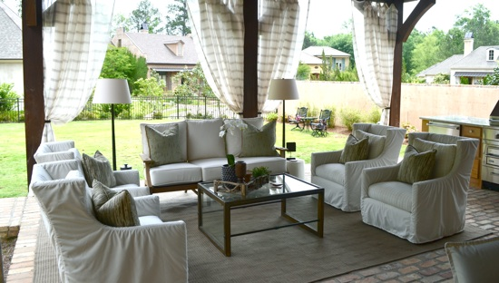 Outdoor Oasis // Designed by Todd Prince // SummerHouse, Ridgeland, MS