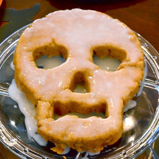 Skull cake //  J&K's Pumpkin Laceration Celebration featured on { THE HIVE }
