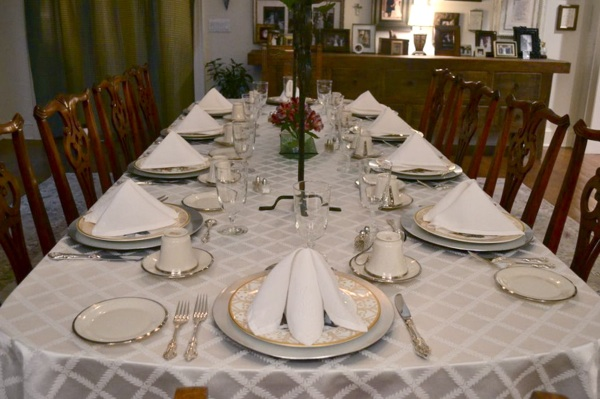 Downton Abbey themed dinner party // THE HIVE